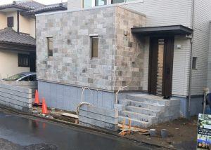 ブロック施工中